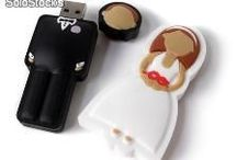 Modelos USB customizados / Nuestras memorias ubs customizadas y personalizadas a la elección de nuestros clientes. Descubre todo sobre nosotros en www.promopen-memorias-usb.com