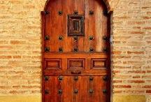 DOORS & DOORHANDLES