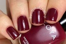 Nails / by Maura Toma