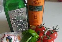 Mozzarella / En underbar klassiker med dom bästa råvarorna. Buffel mozzarella med ekologisk extra jungfru olivolja och sherry vinäger från Spanien. Titta in till oss och gör er beställning