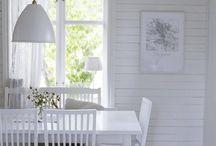 Lifestyle Julia Khouri / Julian kaunis koti ja pihapiiri huokuvat estetiikkaa, maalaiselämän raikkautta, ihania sisustusinspiraatioita ja luovuutta.