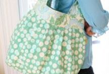 Purses and Bags / Sewing patterns for purses, shopping bags and totes.