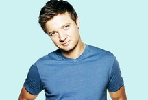 Our Favorite Jeremy Renner pics / Share your favorite pics of Jeremy Renner here! We can all fangirl and drool over him together!
