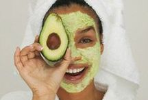 AVO Beauty / From skin care to hair, discover the many uses of Avocado oil