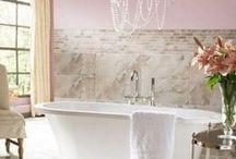 Feminine Bathroom Decor Ideas / Subtle And Refined Feminine Bathroom Decor Ideas