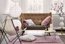 Vivacious and Cute Feminine Living Rooms / Vivacious and Cute Feminine Living Rooms