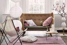 Vivacious and Cute Feminine Living Rooms / Vivacious and Cute Feminine Living Rooms