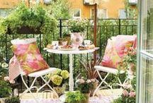 Summer Balcony Decor Ideas / Cheerful Summer Balcony Decor Ideas