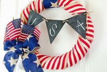 Patriotic Wreaths For The 4th July / Patriotic Wreaths For The 4th July