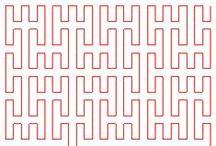 First Fractale figures♫ ♪ ♥●•٠·˙ ☯ / Une figure fractale, ou « fractale », est en première approximation une courbe, une surface, un volume de forme irrégulière ou morcelée qui se crée en suivant des règles déterministes ou stochastiques impliquant une homothétie interne. Ce terme « fractale » est un néologisme créé par le mathématicien Benoît Mandelbrot en 1974 à partir de la racine latine fractus, qui signifie brisé, irrégulier