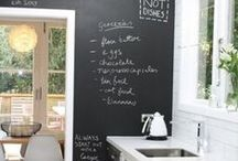 Chalkboard Decor Ideas For Your Kitchen / Practical Chalkboard Decor Ideas For Your Kitchen