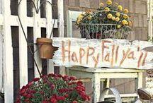 Fall Porch Decor Ideas / Cozy And Comfy Fall Porch Decor Ideas