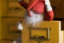 Christmas - Elf on the shelf / by scaryg