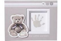 Cadeaux originaux Bébé / Offrir un cadeau de naissance qui sort du lot ? On sélectionne des idées pour vous !