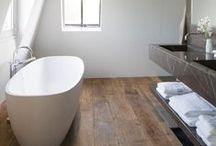 Idées Tendances Salle de bain / Idées de décoration de salle de bain à base de parquet