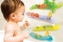 Bébé se lave / Tout ce dont Bébé a besoin pour se laver