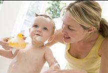 Bébé s'éveille / Jouets et instruments d'éveil pour les bébés de 0 à 2 ans.