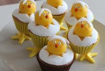 Cupcakes / by Clare Wayne