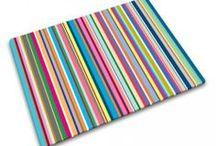 """Ambiance Bayadère / Décorez votre maison avec des objets """"bayadères"""" pour donner de la couleur à votre intérieur. Voici notre sélection « bayadères »  pleine de bonne humeur et de gaité pour animer sa maison en couleur !"""