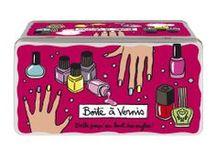 Maquillage et accessoires / Tous vos accessoires pour vos maquillages, vernis et autres produits de beauté!