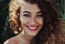 Hair Ideas, Make Up Too / Mostly green eyes and curly red hair. Go figure