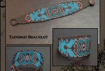 Bracelets / geweven armabndjes