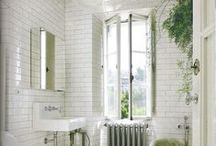small & bright - bathroom