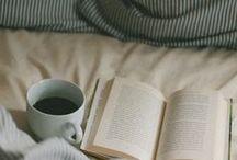Cocooning - WALLERIANA / Cocooning et moments doux, rien que pour soi, au fond des draps ou au coin du feu.