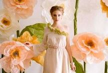 цветочный шик / фотосъемка с цветами гиганских размеров, которая помогает переместиться в сказочный мир
