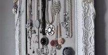Jewelry Vanity / Assemble your jewelry in the most organized and efficient way.