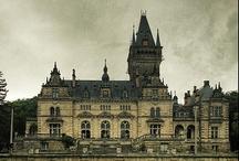 Castles / by Julie Datema
