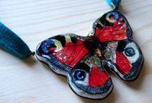 Lepidoptera. Arcilla y alambre bronce.