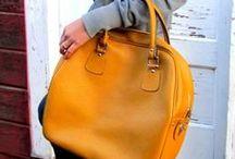 Bolsas /  Não importa se for clutch, sacola, tiracolo ou transpassada: se o modelo de bolsa escolhido combinar com o estilo do look, a elegância está garantida! Confira no board novidades em bolsas da Paquetá para esse inverno.