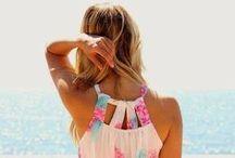 Amamos o Verão! / Ah o verão! Época de sol, calor, praia e piscina. Momento de aproveitar a família, os amigos e abusar de roupas e sapatos confortáveis.
