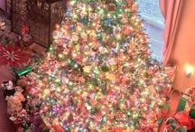 LOOKS LIKE CHRISTMAS / by Lynne White
