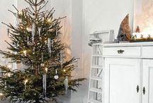 Scandinavian Christmas Style / by Leslie Ellis