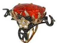 EXQUISITE COLOURS / Fabulously decadent jewels