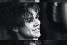 Ashton Irwin / Everything is awesome / by Queen of the Dark