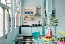 Lieblingsküchen / Inspiration rund um farbenfrohe und supercoole Küchen.
