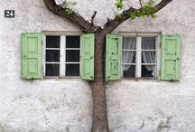 Doors and Windows / by Corrie Wittebrood