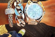Watch Obsession.. Love Watches. A different swatch on ones wrist can really make an outfit. Think this dream board means buying watches ;)))) / Accessories x