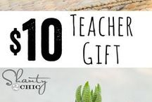 Gift ideas / by Teyona Thompson Dodson