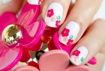 Flower nails / We love flowers!