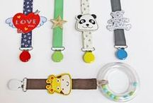 Attache tétine - Pacifier clip / L attache tétine, sélection d'idées par Mercerie Caréfil http://www.merceriecarefil.com/fr/