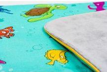 Lapinoo Kocyk Bambusowy Skorupiaki / Lapinoo to francuska marka oferująca wysokiej jakości tekstylia dla dzieci. Marka powstała, opierając swe produkty na unikalnym designie, naturalnych tkaninach i szczególnej dbałości o produkt, jaki trafia w Twoje ręce.