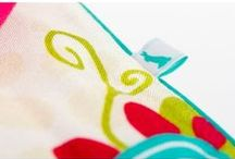 Lapinoo Kocyk Bambusowy Ptaszki / Lapinoo to francuska marka oferująca wysokiej jakości tekstylia dla dzieci. Marka powstała, opierając swe produkty na unikalnym designie, naturalnych tkaninach i szczególnej dbałości o produkt, jaki trafia w Twoje ręce.