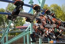 Jimmy Neutrons - Atomic Flyer - Movie Park Germany (Allemagne) / Photos du Roller Coaster Jimmy Neutrons - Atomic Flyer situé à Movie Park Germany (Allemagne). Plus d'information sur notre site http://www.e-coasters.com !! Tous les meilleurs Parcs d'Attractions sur un seul site web !! Découvrez également notre vidéo embarquée à cette adresse : http://youtu.be/oYHYQodO8u4