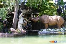 Dschungel Fahrt - Europa-Park (Allemagne) / Photos de l'attraction Dschungel Fahrt située à Europa-Park (Allemagne). Plus d'information sur notre site http://www.e-coasters.com !! Tous les meilleurs Parcs d'Attractions sur un seul site web !!