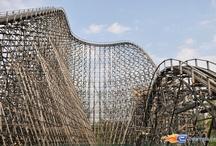 Colossos - Heide-Park (Allemagne) / Photos du Roller Coaster Colossos situé à Heide-Park (Allemagne). Plus d'information sur notre site www.e-coasters.com !! Tous les meilleurs Parcs d'Attractions sur un seul site web !! Découvrez également notre vidéo embarquée à cette adresse : http://youtu.be/9bWLKRgvd3w