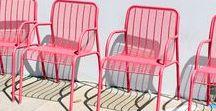 Chaises | Chairs / Tout sur vos assises préférées : en bois, en couleur, en plastique, en métal forgé, avec dossier, dépareillées ou assorties...